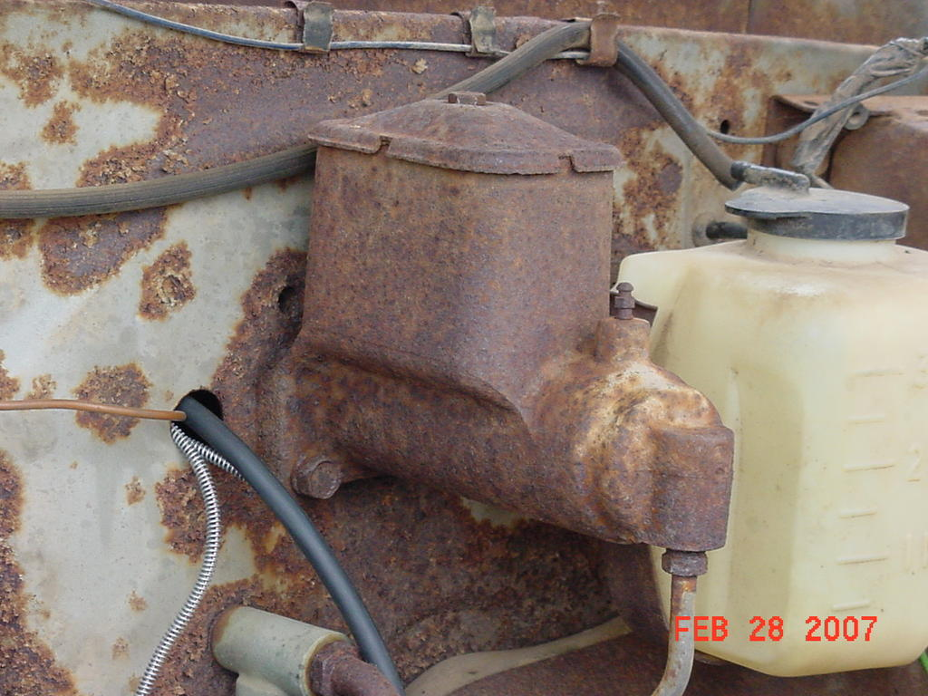 1966 c60 grain dump trk brake master cylinder   Classic